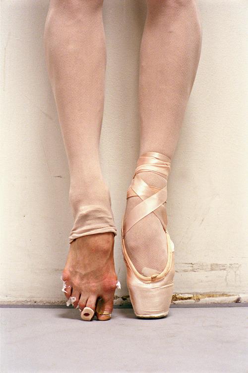 pés-de-bailarina