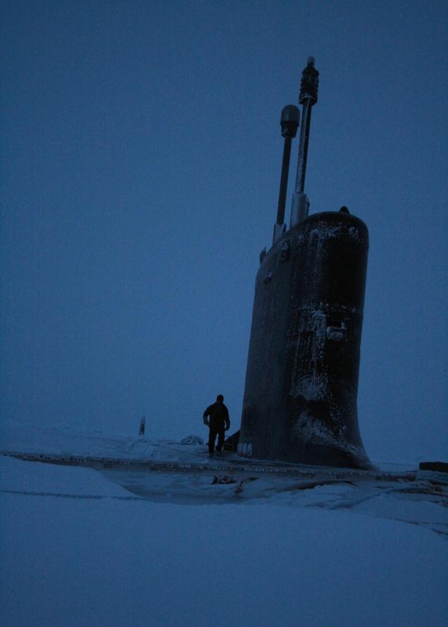 submarino-no-gelo